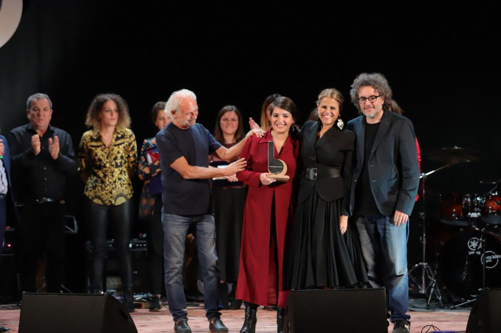 Cristiana Verardo, vincitrice edizione 2019, premiata da Tosca, Ferruccio Spinetti e Gaetano dAponte